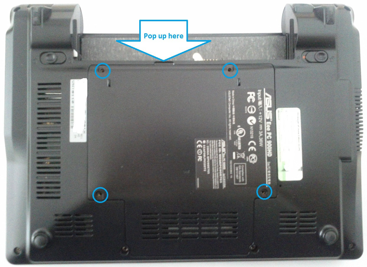 Asus Eee PC 900HD bottom cover with battery removed