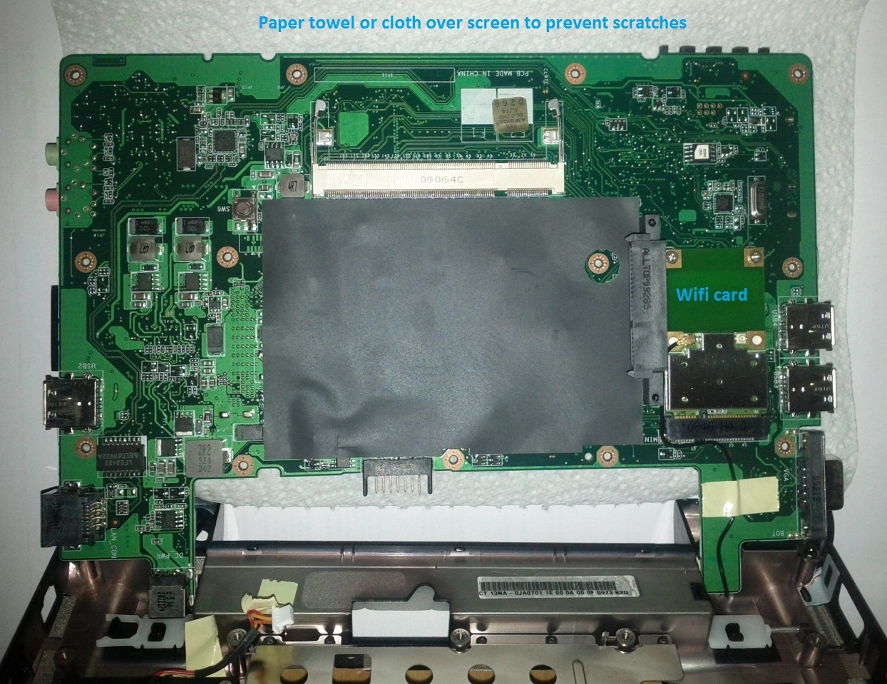 Asus Eee PC 900HD motherboard (bottom)
